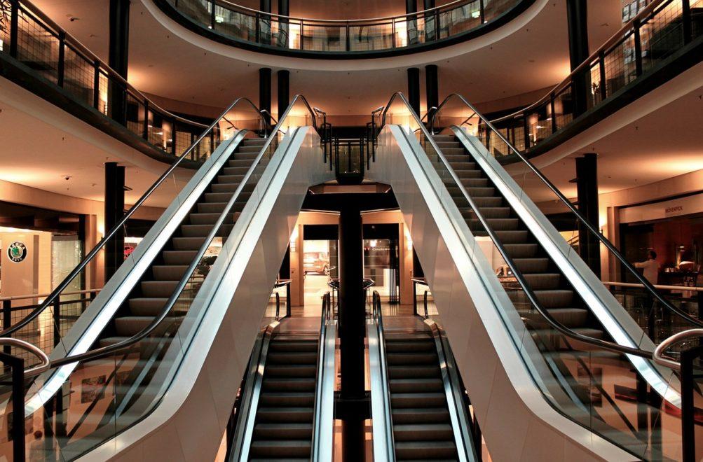 savoir-vivre na schodach