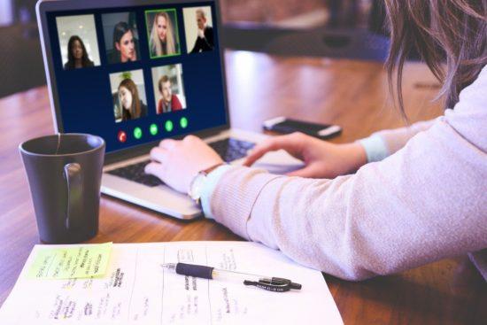 Pracowe znajomości, biurowe przyjemności